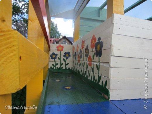 Чтобы занять детей летом, соорудили им такой домишко! фото 4