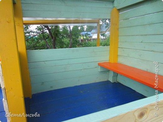 Чтобы занять детей летом, соорудили им такой домишко! фото 7