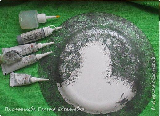 Два комплекта.Тарелки и карандашницы.  Тарелки - распечатка, поталь, акрил, контуры. Карандашницы - консервная банка, кожа (от старых сапог), клей момент, акрилы, контуры. фото 4