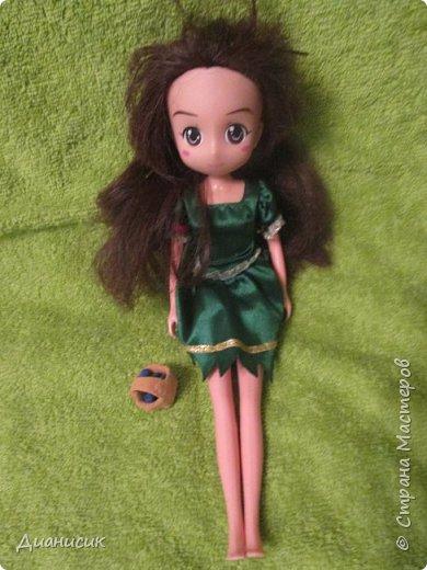 Юки: Я пришла! Челл: Я же вроде Юми на роль феи назначала? Юки: Сестра ногу сломала. Челл: Понятно. Начинаем! Жила-была фея. И она обожала разбрасывать везде розы. А когда розы кончались, она разбрасывала листья.  фото 4