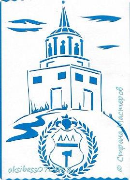 Предлагаем Вам совершить прогулку по городу Нижний Тагил.  Город  был основан в 1722 г., то есть на год раньше, чем Екатеринбург и Пермь. 19 октября того года на Выйском заводе был получен первый чугун. Эта дата впоследствии и стала считаться датой рождения населенного пункта.    На  уроках технологии мы с ребятами решили запечатлеть достопримечательности города, а именно храмы. Одним из главных символов города является Лисья гора. На вершине находится сторожевая башня, построенная в 1818 г. Под ней мы разместили символ города.     Основателями Нижнего Тагила, как и многих других уральских городов, были Демидовы. Если точнее, то появился город при Акинфии Демидове.  фото 1