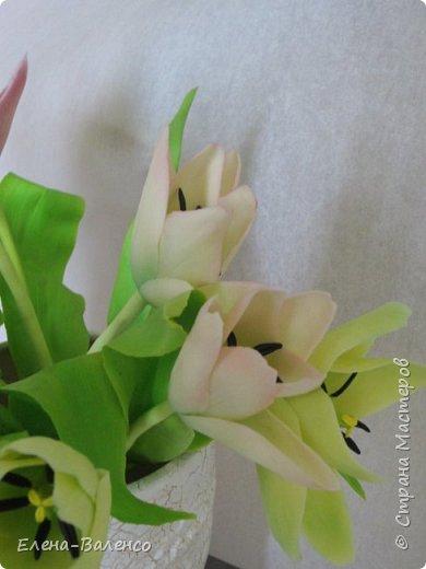 """Добрый день, страна. Давно хотела попробовать сваять букет с тюльпанами, но не знала с какой стороны к ним подступиться. Выставляю на Ваш суд букетик под названием """"Вчерашний праздник или 9 марта"""" фото 6"""