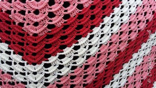 Хочется представить на ваш суд мои шали, связанные крючком. фото 2