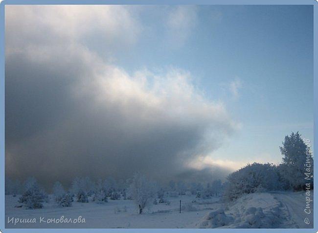 Все фотографии сделаны мною в начале января не помню точно какого года в Амурской области в г. Зея.. Там обычно, до начала ветров, до февраля, царствует такая красота. Основные фото сделаны на берегу реки Зея. Она, убегая от Зейской ГЭС,  долго не замерзает, что и дает возможность любоваться чудными пейзажами.   фото 3