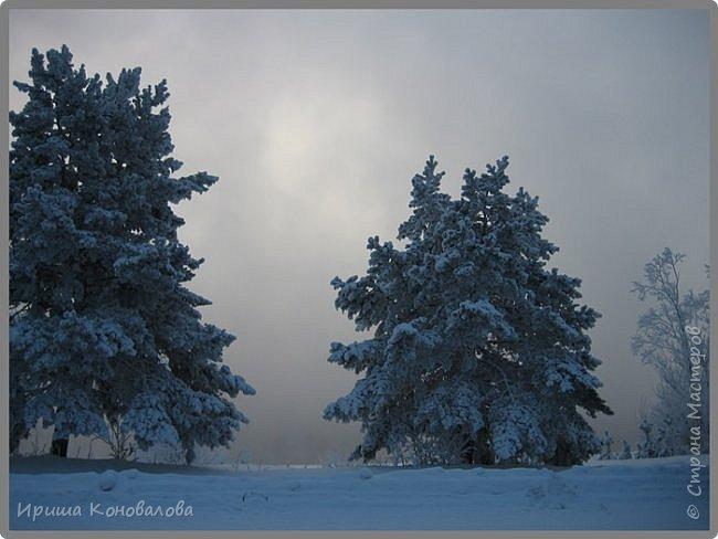 Все фотографии сделаны мною в начале января не помню точно какого года в Амурской области в г. Зея.. Там обычно, до начала ветров, до февраля, царствует такая красота. Основные фото сделаны на берегу реки Зея. Она, убегая от Зейской ГЭС,  долго не замерзает, что и дает возможность любоваться чудными пейзажами.   фото 11