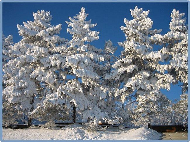 Все фотографии сделаны мною в начале января не помню точно какого года в Амурской области в г. Зея.. Там обычно, до начала ветров, до февраля, царствует такая красота. Основные фото сделаны на берегу реки Зея. Она, убегая от Зейской ГЭС,  долго не замерзает, что и дает возможность любоваться чудными пейзажами.   фото 21