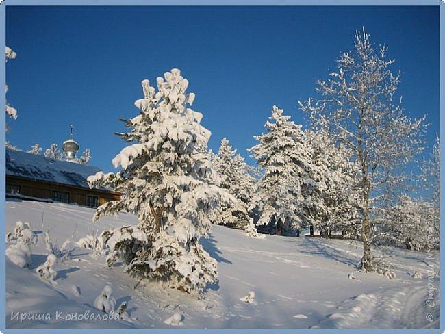 Все фотографии сделаны мною в начале января не помню точно какого года в Амурской области в г. Зея.. Там обычно, до начала ветров, до февраля, царствует такая красота. Основные фото сделаны на берегу реки Зея. Она, убегая от Зейской ГЭС,  долго не замерзает, что и дает возможность любоваться чудными пейзажами.   фото 22