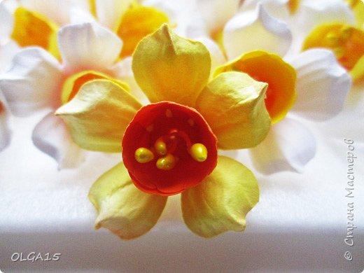 Добрый вечер, жители и гости Страны Мастеров! Для одной из работ потребовались мне цветы нарцисса, хочу поделиться с вами этапами изготовления цветка, возможно вам пригодится для весенних работ. фото 23