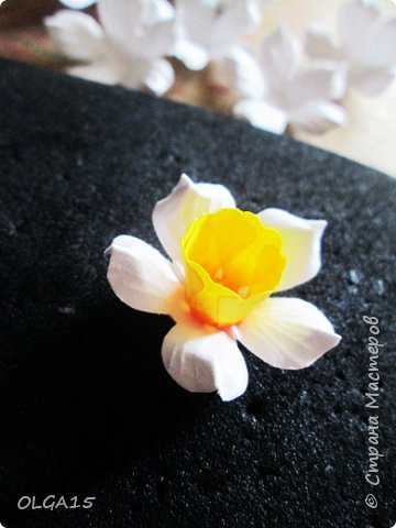 Добрый вечер, жители и гости Страны Мастеров! Для одной из работ потребовались мне цветы нарцисса, хочу поделиться с вами этапами изготовления цветка, возможно вам пригодится для весенних работ. фото 16