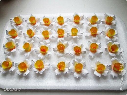 Добрый вечер, жители и гости Страны Мастеров! Для одной из работ потребовались мне цветы нарцисса, хочу поделиться с вами этапами изготовления цветка, возможно вам пригодится для весенних работ. фото 19