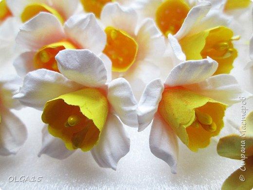 Добрый вечер, жители и гости Страны Мастеров! Для одной из работ потребовались мне цветы нарцисса, хочу поделиться с вами этапами изготовления цветка, возможно вам пригодится для весенних работ. фото 1