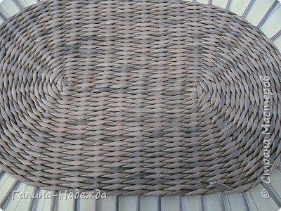 Добрый день дорогие мастерицы СМ по плетению!!!! Как-то я выставила не законченную плетушку, мне тогда понадобилась срочная помощь админов  СМ (проблемы с написанием коммент.) Спасибо, мне быстро помогли. Вот она. 36-21,5-14.5  Дно белые винилловые обои.  фото 23