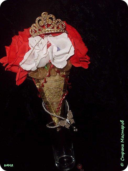 """Работа называлась """"Дикая орхидея"""" Мое видение и мои стихи: Среди проталин и камней Случайно чудо увидала... Живая ветка орхидей Вдруг расцветает у корней И папоротник вместе с ней... фото 6"""