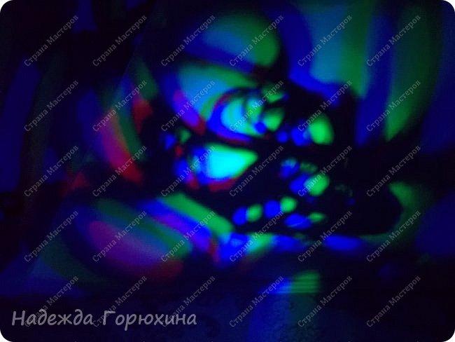 Доброй ночи! Светлой ночи))) Эта милая кошечка, напросилась, таки  на выставку. Получилось очень приятное изделие. Кошечка выполнена из джута и поставлена на подставку- диодный светильник. Приятно, быстро, оригинально... фото 5