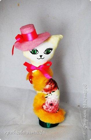 """ДОБРЫЙ ДЕНЬ МОИ дорогие мастера и мастерицы , сегодня я к вам  с двумя мадам - кисами,  понравилось мне работать в технике """"  грунтовый текстиль """", получились  две статуэточки кошечек в шляпках. фото 2"""