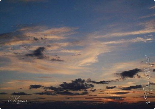 Небо – самый верный и надёжный друг. Особенно, когда на душе грустно или тревожно, когда чувствуешь себя одиноким, преданным, забытым... Светло-голубое, с белоснежными воздушными облаками дарит надежду и ощущение радостного покоя. Ночное небо, усыпанное звёздами, позволяет поверить в сказку, в осуществление самых сокровенных желаний. Даже серое, затянутое тучами, мрачное небо говорит о ничтожности существующих проблем и возвещает о величии природы. фото 6