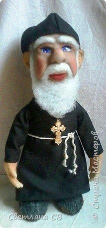 Вот такой служитель Православной церкви,родился у меня,к Пасхе. Рост 25 см фото 2