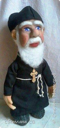 Вот такой служитель Православной церкви,родился у меня,к Пасхе. Рост 25 см фото 1