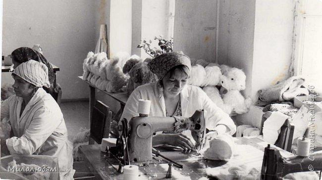 По просьбе трудящихся публикую репортаж о Кузедеевской фабрики игрушек, куклы и сувениры которой знал весь СССР.  фото 47