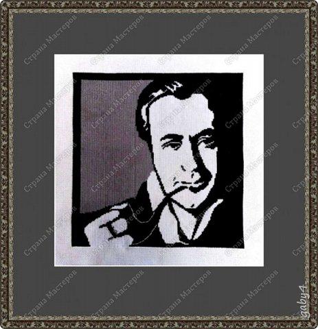 Всем привет, вышила я по замечательной схеме http://stranamasterov.ru/user/240567 своего любимого персонажа - мистера Шерлок Холмса. Оформление пока виртуальное, так как планируется еще одна картина, уже по моей схеме, начала ее уже, вот довышью - оформлю в одном ключе...