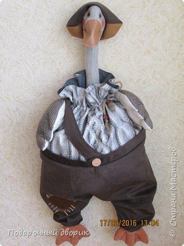 Пакетница Гусь.Загрузка пакетов сверху,достаются пакеты сбоку,в бок шве штанин. фото 1