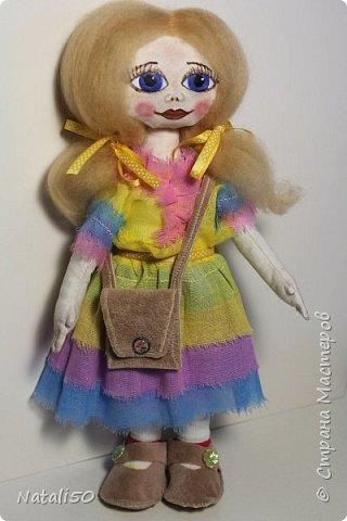 Добрый вечер всем!!! Погода у нас почти летняя и куколка у меня получилась нарядная ,весенняя.. Ростом куколка 32 см. стоит самостоятельно. фото 2