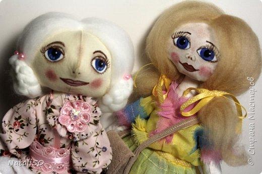 Добрый вечер всем!!! Погода у нас почти летняя и куколка у меня получилась нарядная ,весенняя.. Ростом куколка 32 см. стоит самостоятельно. фото 6
