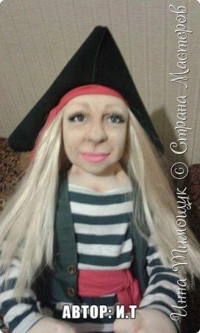 """Портетный шарж"""" Пиратка""""   . Смешанная техника. Куколка высотой  70 см. Подвижная. Одежда из  натуральных материалов . Треуголка из натуральной кожи . фото 1"""