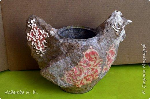 Здравствуйте! Недавно я показывала вам серебряную курочку, а теперь вслед за ней летит каменная пасхальная птичка.  фото 7