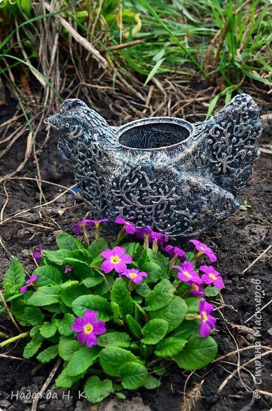 Здравствуйте! Недавно я показывала вам серебряную курочку, а теперь вслед за ней летит каменная пасхальная птичка.  фото 15