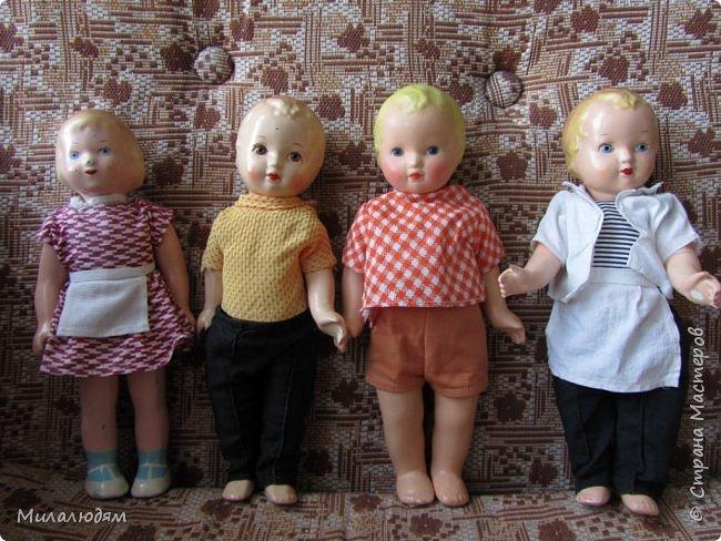 И так продолжаем экскурсию, но уже по музею.К сожалению года выпусков этих кукол я не знаю. При желании можно найти. Сейчас нет времени и очень лениво. Эти фото делала моя дочь. В ДК был ремонт, поэтом фото не совсем эстетичные, где смогли мало-мало пристроиться. фото 38