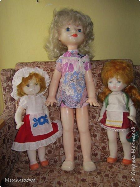 И так продолжаем экскурсию, но уже по музею.К сожалению года выпусков этих кукол я не знаю. При желании можно найти. Сейчас нет времени и очень лениво. Эти фото делала моя дочь. В ДК был ремонт, поэтом фото не совсем эстетичные, где смогли мало-мало пристроиться. фото 41