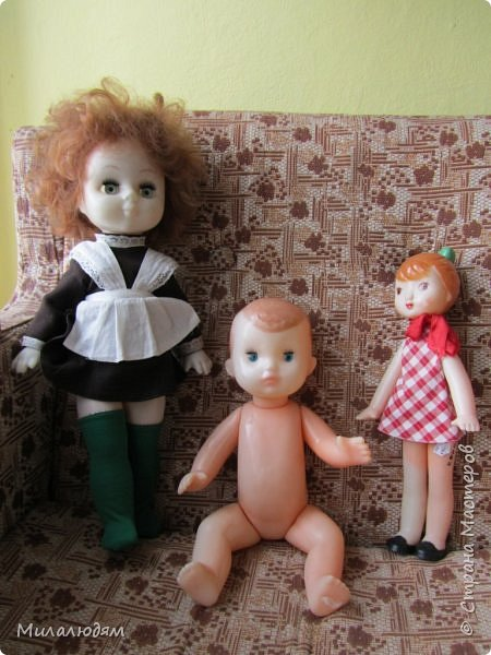 И так продолжаем экскурсию, но уже по музею.К сожалению года выпусков этих кукол я не знаю. При желании можно найти. Сейчас нет времени и очень лениво. Эти фото делала моя дочь. В ДК был ремонт, поэтом фото не совсем эстетичные, где смогли мало-мало пристроиться. фото 45
