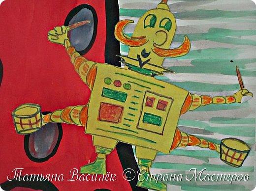 Несколько лет назад у нас в садике проходила выставка, посвященная Дню Космонавтики. Родители и дети подготовили различные поделки, в группе мы сделали стенгазету...    (Обнаружила недавно эти старые фото и решила поделиться:) Вдруг кому-то пригодится идея...)  фото 12