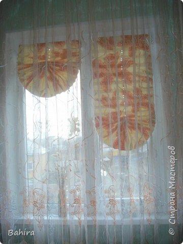 Здравствуйте дорогие мастерицы. Пришла весна, а с весной и солнышко. Солнышко я очень люблю, и скучаю по нему, но когда солнышко греет стекло (окно), то начинает нас жарить, ну и что бы нас в конец не зажарило, Дуся баба http://stranamasterov.ru/node/573661 подсказала и показала, разжевала и в рот положила )))), бюджетный, и эксклюзивный способ. Эксклюзивный потому, что хоть и жалюзи у всех вроде как и одинаковые, но они все таки кардинально разные, не такие как у всех))))))).     фото 4