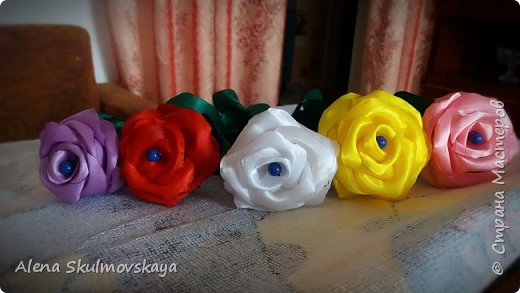 розы из атласных лент фото 31