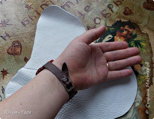 Открываю для себя новые грани кожи. Пробовала сделать броши, картины, а теперь вот первая попытка сделать браслет.  фото 4