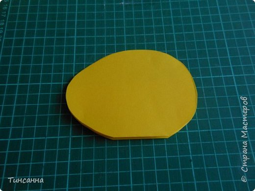 Открытка в форме яйца, при открывании  которой  появляется цыпленок. При ее изготовлении используются приемы оригами и скрапбукинга. фото 9
