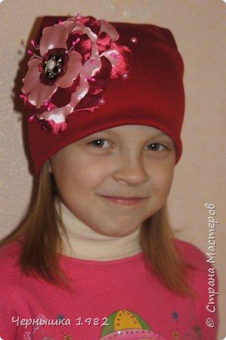 Вот такие шапочки сшила для себя и своих дочек фото 3