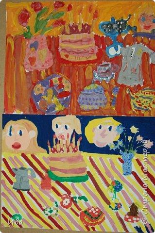 С начало обмазывали диск, затем лепили торт , украшали его кремом, внутри будто у нас тоже крем. Много фантазировали вслух, о вкусе каждого торта. Лепили кухонную посуду, всё у нас украшено, ведь у нас праздничный стол . Ваза с цветами для праздничного антуражу. фото 13