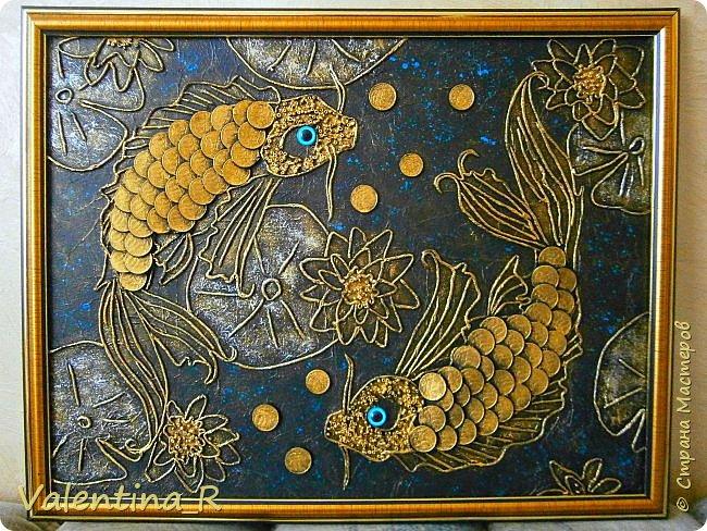 Еще одно панно с рыбками, сделано на заказ.  Эта рыбка не простая - Золотой её наряд, Ярко радугой блистая, Завораживает взгляд. фото 1