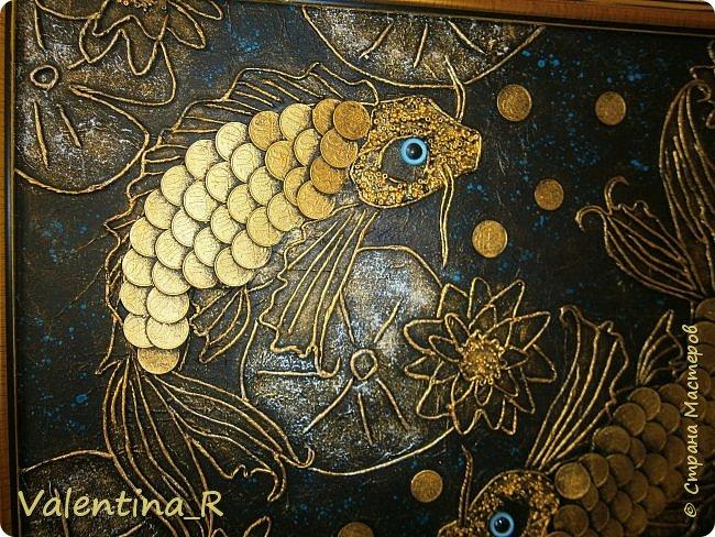 Еще одно панно с рыбками, сделано на заказ.  Эта рыбка не простая - Золотой её наряд, Ярко радугой блистая, Завораживает взгляд. фото 2
