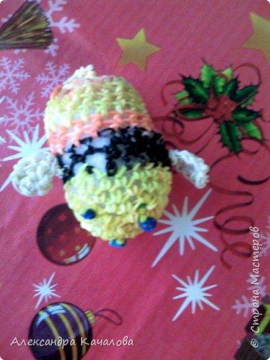 Здравствуйте. Вот такую пчелку сплела из резиночку вторая дочка, которой семь лет. фото 2