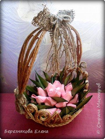 Всем привет)))Очередное творение на ваш суд из джутового шпагата+цветы из атласных ленточек. фото 2