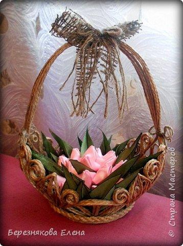 Всем привет)))Очередное творение на ваш суд из джутового шпагата+цветы из атласных ленточек. фото 3