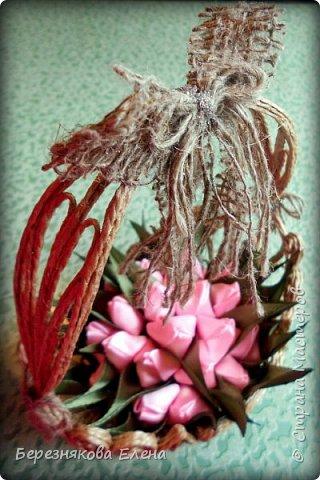 Всем привет)))Очередное творение на ваш суд из джутового шпагата+цветы из атласных ленточек. фото 4