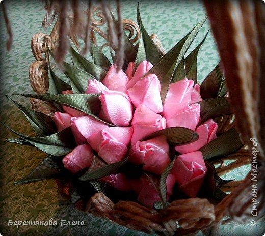 Всем привет)))Очередное творение на ваш суд из джутового шпагата+цветы из атласных ленточек. фото 5