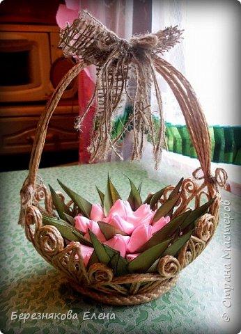 Всем привет)))Очередное творение на ваш суд из джутового шпагата+цветы из атласных ленточек. фото 8