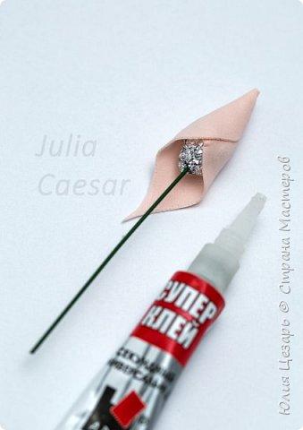Здравствуйте дорогие рукодельницы!   Представляю Вам мой небольшой мастер-класс по созданию бутона розы из фоамирана.   фото 20