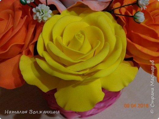 Корзинка с розами и гипсофилой фото 5
